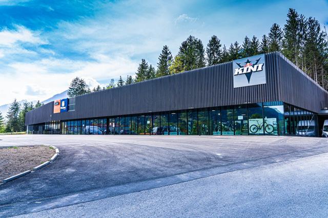 RAMBOOKK Werkstatt Einrichtung für KTM Kini in Wiesing